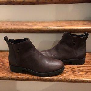 Cole Haan Womens Chelsea boots sz 11 waterproof